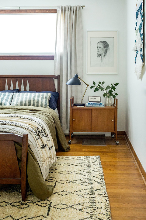 How To Style A Bed With Linen Bedding   dreamgreendiy.com + @cultivergoods