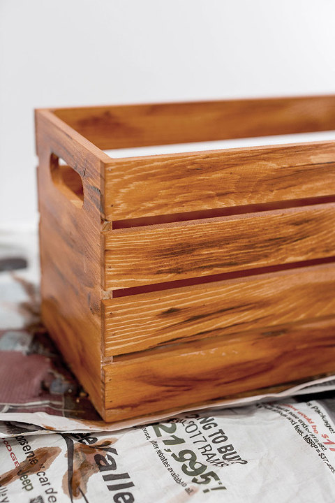 How To Antique A Wooden Crate Without Stain | dreamgreendiy.com + @orientaltrading #ad
