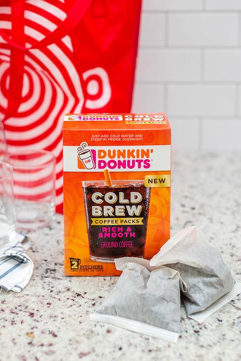 DIY Spicy Icy Pumpkin Latte Recipe | dreamgreendiy.com + Dunkin' Donuts @ahalogy #ad