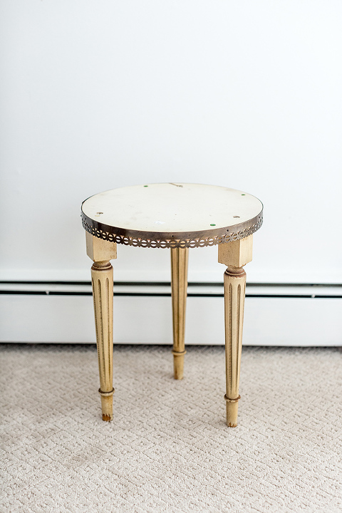 How To Makeover A Thrifted Table With Paint   dreamgreendiy.com + @kilzbrand