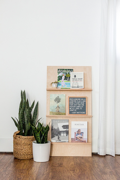 https://www.dreamgreendiy.com/wp-content/uploads/2018/04/02-47338-post/Hunker-DIY-Plywood-Magazine-Rack-6(pp_w480_h720).jpg