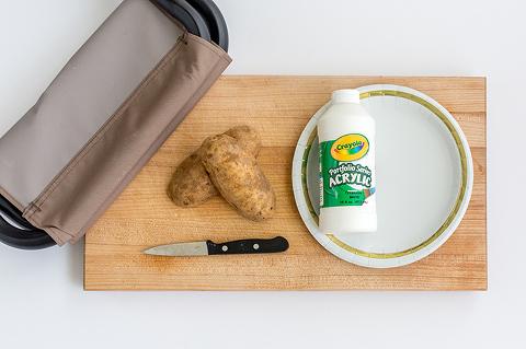 DIY Potato Stamped Campfire Stools   dreamgreendiy.com + @duraflame #ad