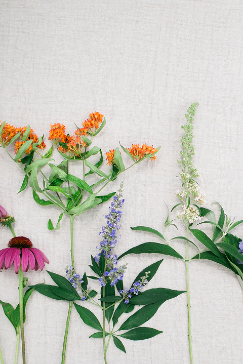How To Make A Foraged Flower Arrangement