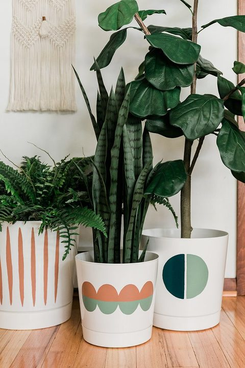 3 Ways to Paint a Plain Planter Pot​