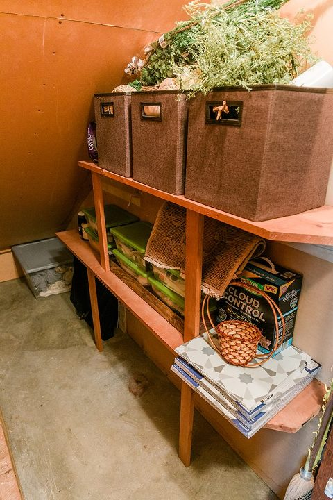 From Basement Closet, To Dust-Free Pet Zone | dreamgreendiy.com + @armandhammer #AD