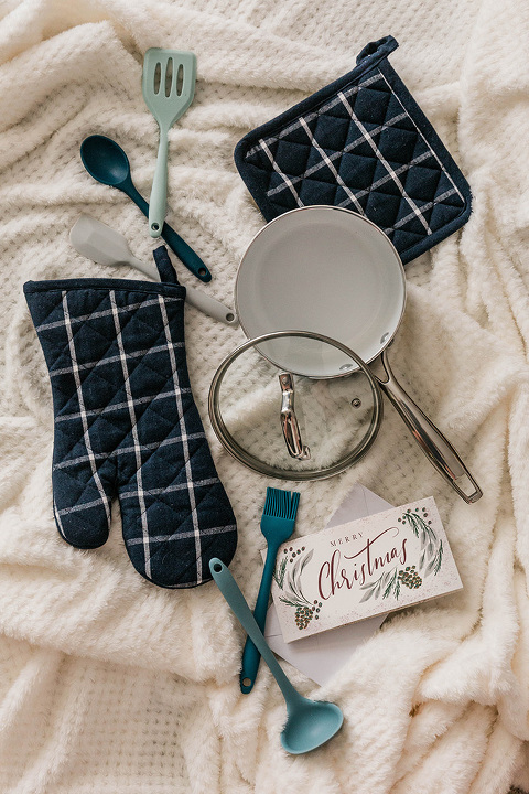 3 Christmas Gift Trio Ideas To Try | dreamgreendiy.com + @tuesdaymorning #ad #TuesdayMorningFind #UniqueGiftsForLess