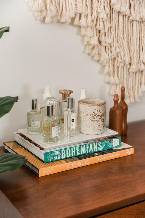 Ceramic perfume bottles tray