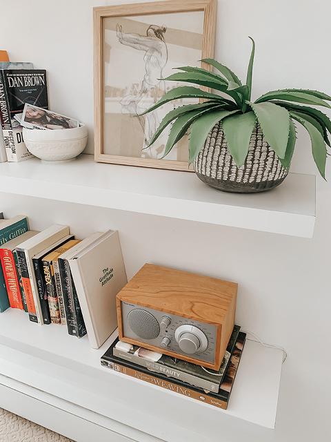Our Favorite Way To Listen To Music | dreamgreendiy.com + @tivoliaudio #ad #tivoliaudio
