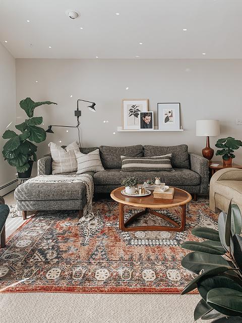 Boho Mid-Century Living Room Décor Inspiration