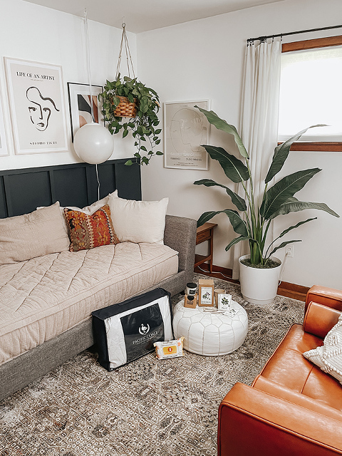 4 Tips For A Spring Home Refresh | dreamgreendiy.com + @Babbleboxx @paccoastbedding #ad #SpringHomeRefreshBBxx #stopthequat #cleanwithconscience #boulderclean #pacificcoastfeather #pacificcoastfeatherpartner